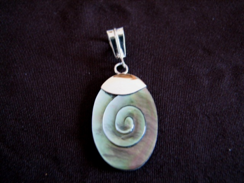 Silver Dark Grey Mother of Pearl Pendant