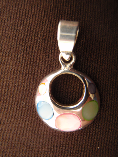 Silver Round Mother of Pearl Pendant