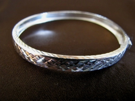 Silver Diamond Cut Bangle