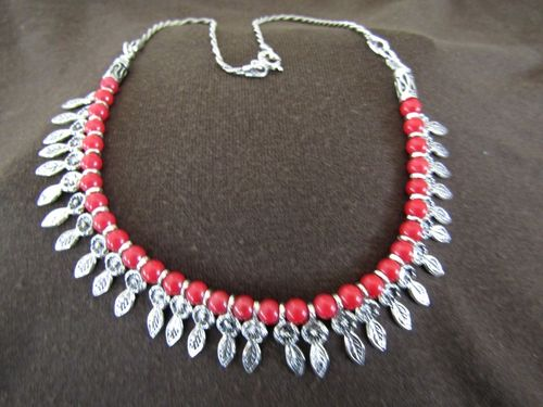 Silver Flowers and Leaves Beads Necklace
